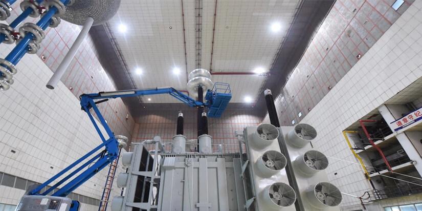 Corona-Ring-Installation-For-1000kV-Power-Transformer